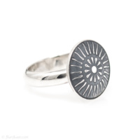 Sunburst Concheau Ring SM