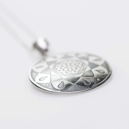 Concheau Pendant - Style 160 by Mary Laur